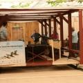 Bijzonder transport in Archeon bij Zwammerdamschepen